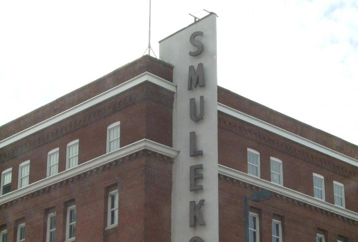 Iconic Former Furniture Store Gets A New Life Kwwl Eastern Iowa Breaking News Weather Closings