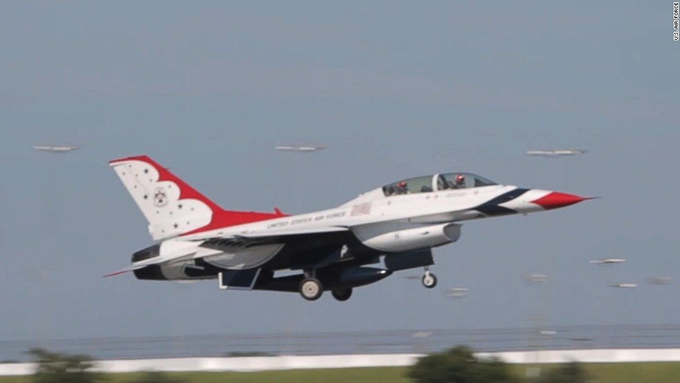 The F-16, like this one shown in a 2014 photo, belonged to the Air Force's Thunderbirds group.