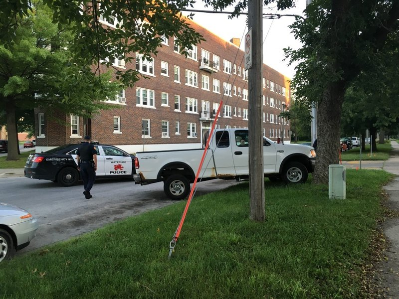 One person in custody after police chase ends by waterloo for Community motors waterloo iowa