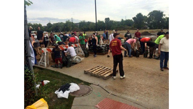 Two sandbagging sites close in cedar rapids wxow news 19 la crosse two sandbagging sites close in cedar rapids wxow news 19 la crosse wi news weather and sports publicscrutiny Choice Image