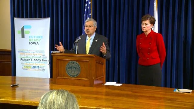 Iowa Capitol Digest: Branstad calls for stronger distracted driving laws