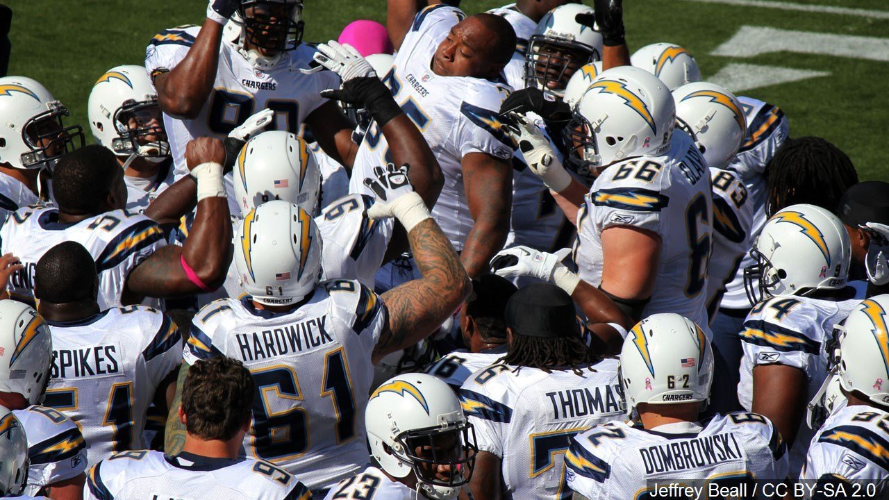 Chargers Announce They Re Moving To Los Angeles Wxow