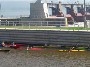 Boaters waiting to pass through Lock and Dam 11 (photo credit Kathy Stierman)