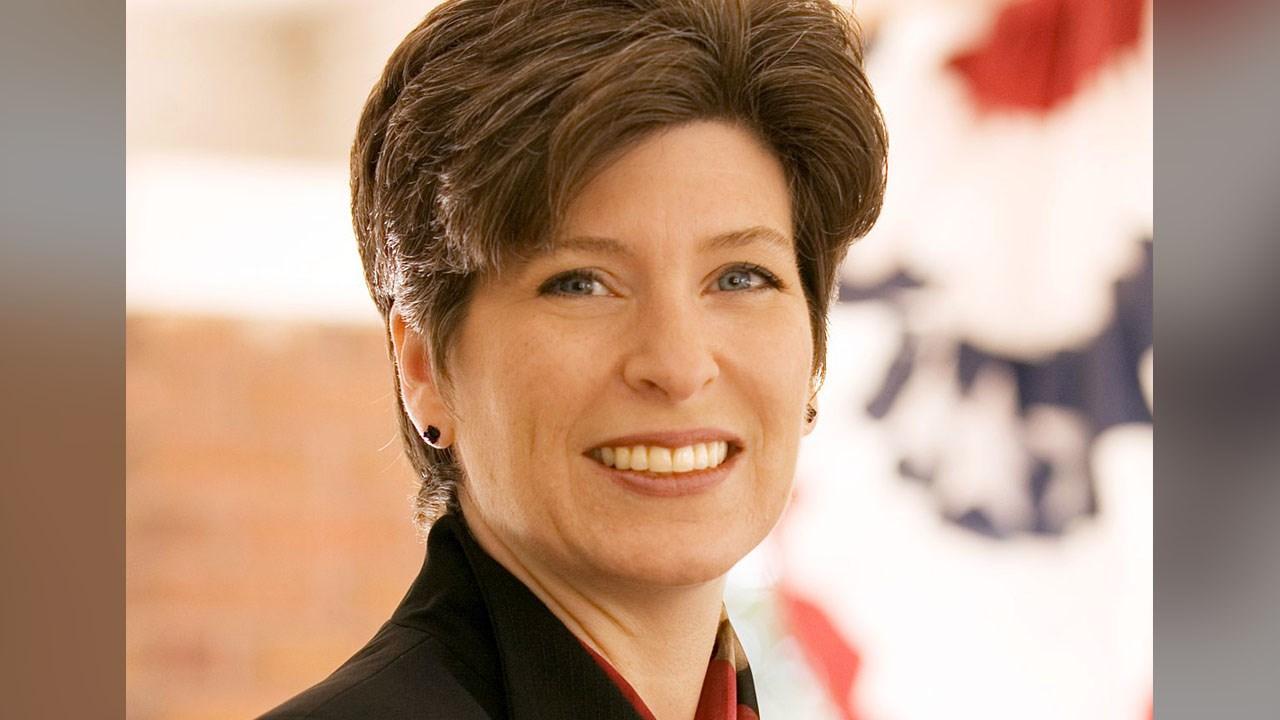 MSU President Lou Anna Simon resigning