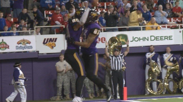 Northern Iowa Rallies Late To Knock Off South Dakota