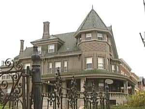 The Mandolin Inn, formerly the Schrup House, is supposedly haunted.