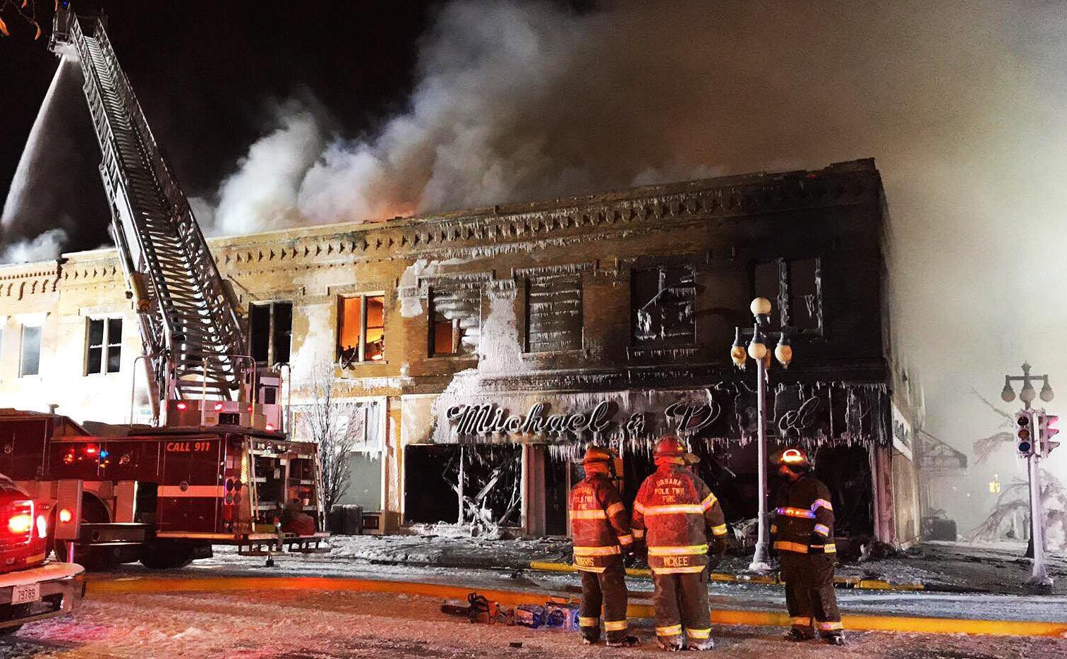 Fire Destroys Furniture Store in Vinton
