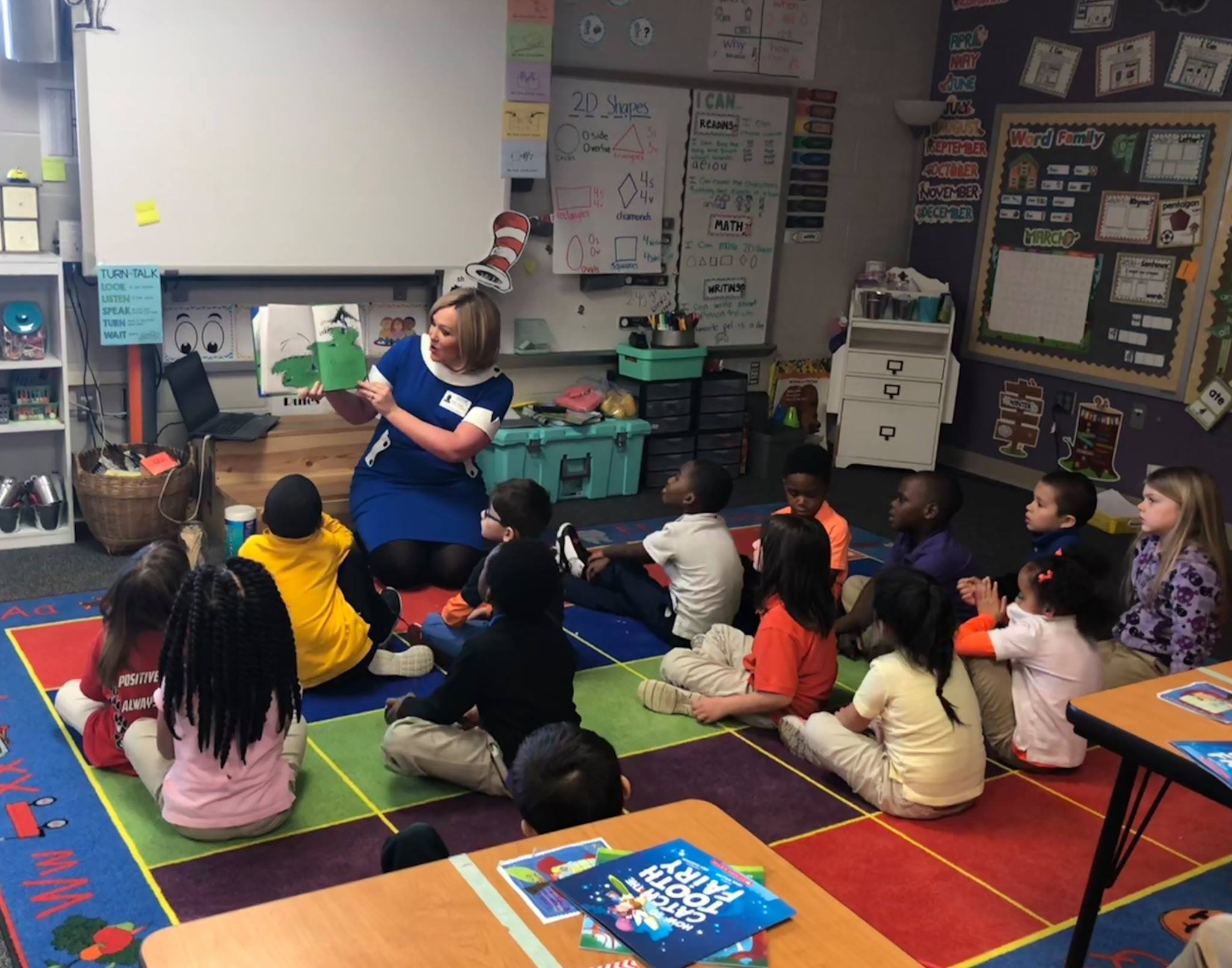 KWWL's Abby Turpin reads to students at Lincoln Elementary in Waterloo on Read Across America day.  March 2, 2018