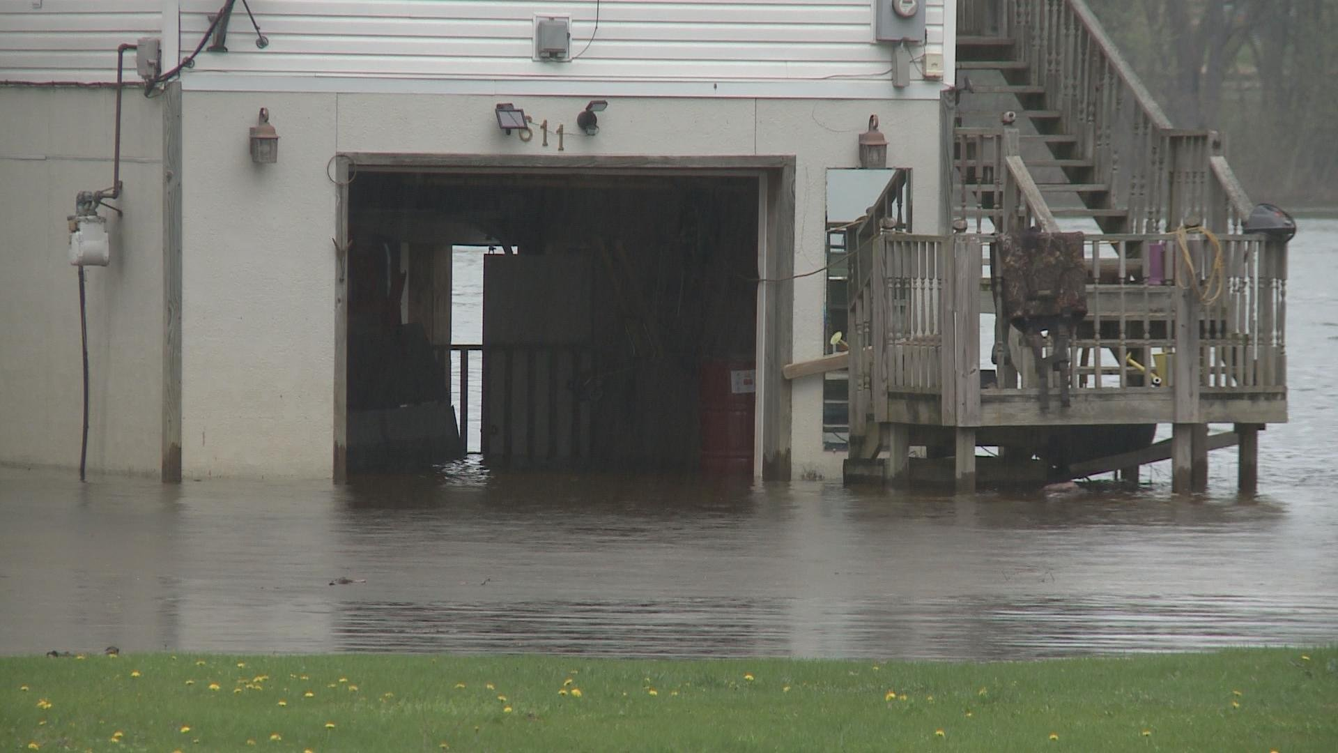 Minor flooding expected as Mississippi River rises