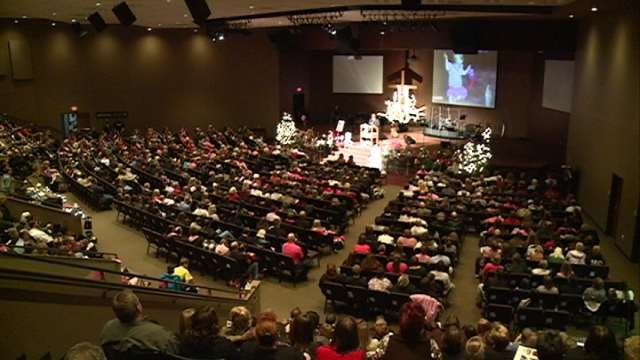 More than 1,000 people celebrated the life of 8-year old Elizabeth Collins of Evansdale.