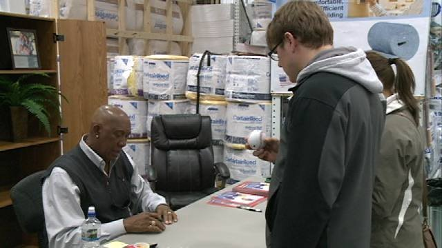 Fans lined up to see Fergie Jenkins on Wednesday at Menards