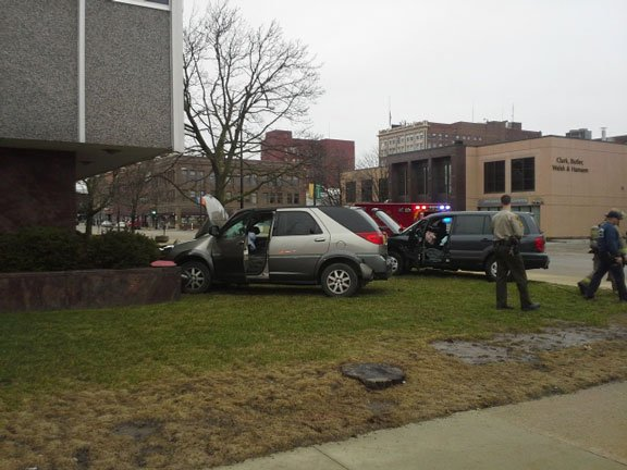 Scene of the crash at the corner of East 5th and Mulberry streets