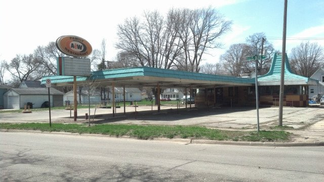 The City of Cedar Rapids is accepting redevelopment proposals for the former A&W restaurant site at 1126 and 1132 Ellis Boulevard NW that was heavily damaged in the floods of 2008.