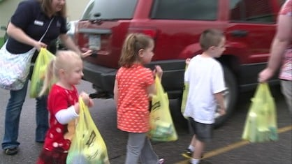 Some Cedar Rapids kids are helping moms living in shelters have a happier Mother's Day.