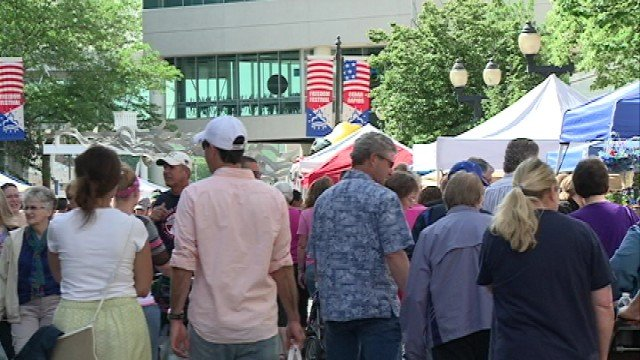 An estimated 17,000 attended the 1st Downtown Farmers Market of the season in Cedar Rapids Saturday