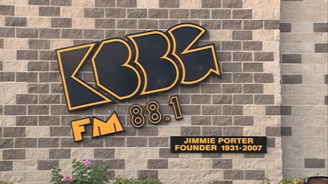 Kbbg radio serves community mission in waterloo kwwl for Community motors waterloo iowa
