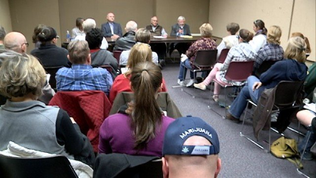 Waterloo group discusses future of medical marijuana for Community motors waterloo iowa