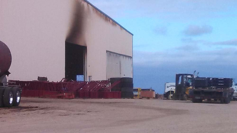 A fire at Mills Manufacturing in Earlville on Wednesday. (Blake Lybbert, KWWL)