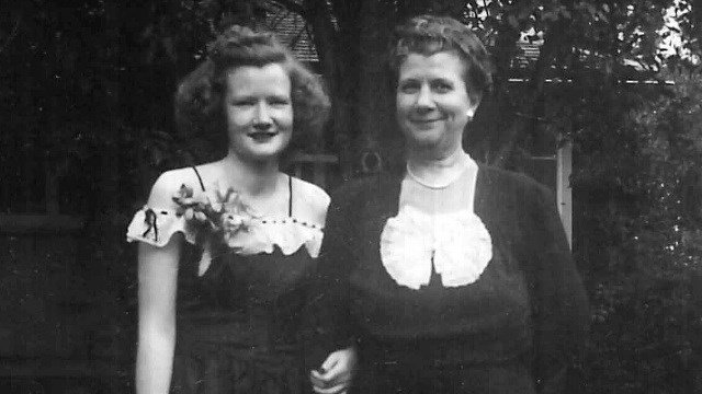 Marilyn Walsh and her mother Dorrit