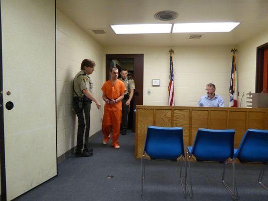 Photo: Jeff Charis-Carlson / Iowa City Press-Citizen
