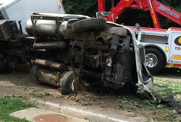 A semi rollover closes U.S. Hwy. 20 in Galena on Friday, Aug. 14, 2015. (Brad Hanson, KWWL)