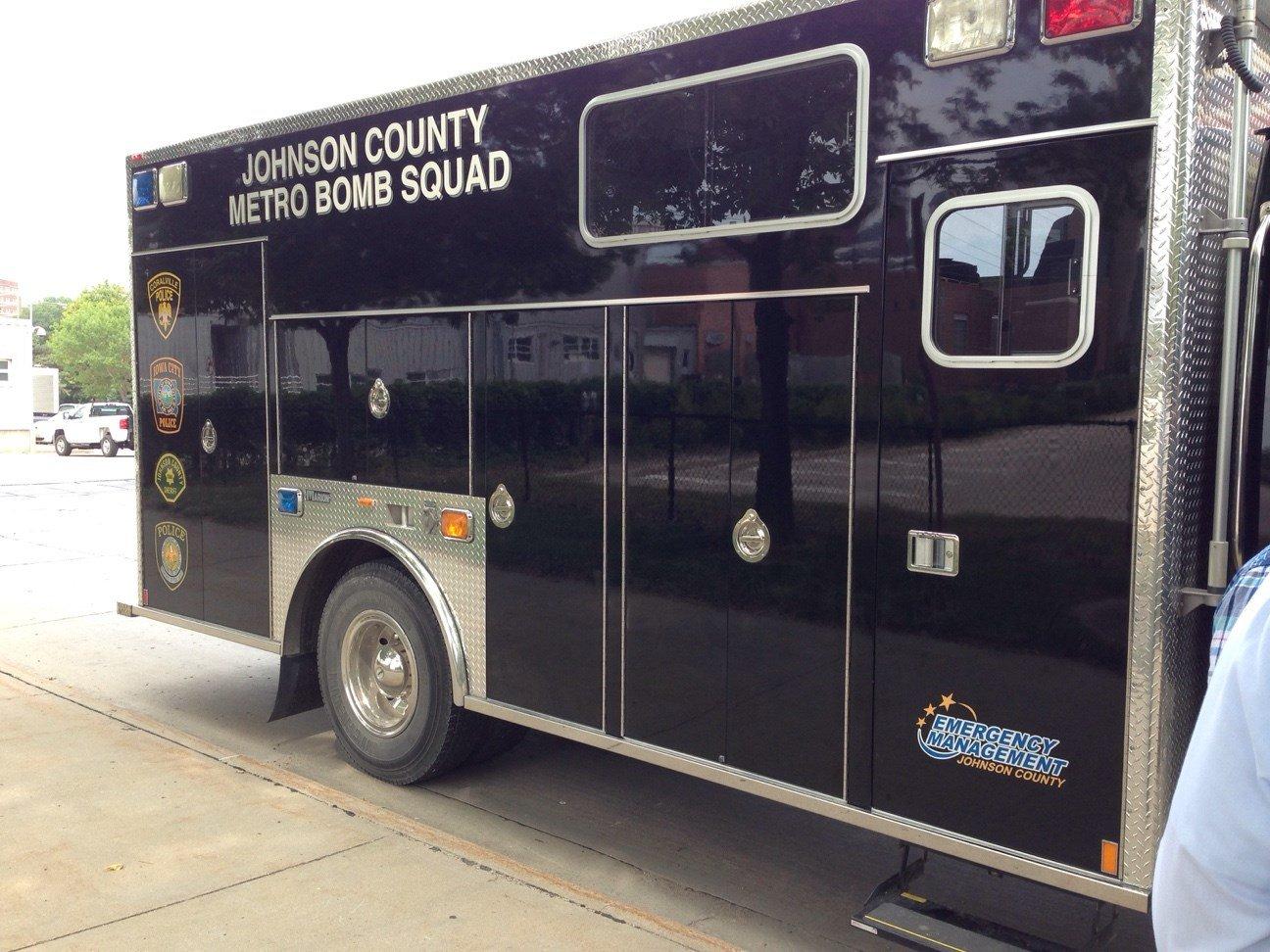 Bomb squad crews on scene at the University of Iowa on Monday, Aug. 17. (Justin Andrews, KWWL)