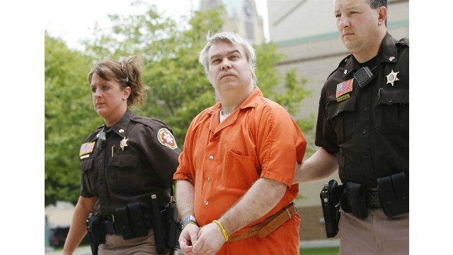 Steven Avery is escorted to the Manitowoc County Couthouse, Friday, June 1, 2007.