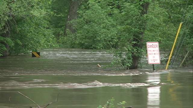 Flooding on Cottage Row Road in Cedar Falls