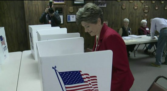 Joni Ernst votes in Red Oak on Tuesday. (Courtesy WHO)